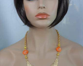 Necklace: Pearl orange bird