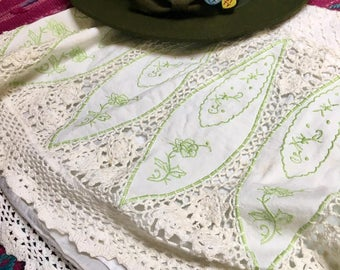 Vintage Free People Shirt White Crochet Skirt with green embroidered flowers and roses Free People Hippy Boho Size 8 Medium