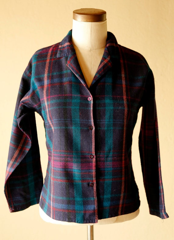 Vintage button down womens wool blouse size 12 plaid vintage for Wool button down shirt
