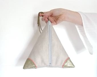 pyramid clutch, shoulder bag beige and gold