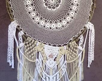 Giant Handmade crochet and macrame dreamcatcher - Attrape rêve géant fait main au crochet et macramé