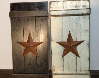 Distressed Primitive Wall Shutter with Star