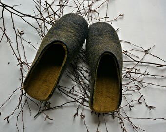 Black Men felted wool slippers, Organic wool slippers for men, Men's slippers, Men house shoes, Eco men slippers, Christmas gift for him