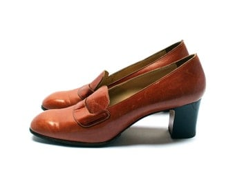 Vintage 50s leather heel shoes, Tawny brown high heels mocassins, Size fr 39 / uk 5.5 / us 7.5, Made in Italy