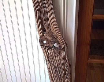 Pine Drift Wood Plank Rustic Driftwood Board Wall Hanging Mantle. Nice Knotting and Wood Detail. 800