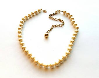 Vintage Gold Chain and Ivory Glass Pearl Beads Necklace, Hand Knotted
