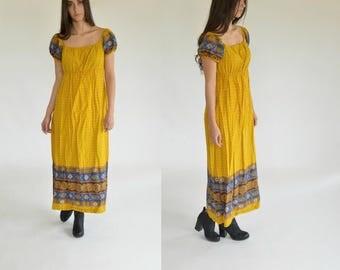 Boho dress - Maxi dress - Vintage - Indian dress- 70s dress - Hippie dress - Gypsy dress - Off shoulder -1970s - Medium