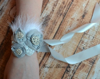 Classic Chiffon Flower Wedding Wrist Corsage   Rhinestone Feather Corsage   Mother of the Bride   Gray   Bridal Prom Homecoming Baby Shower