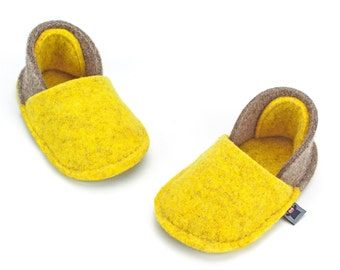 Handmade Toddler Slippers - Tan brown and yellow, 100% natural wool felt, non-slip sole - Warm in winter and breathable in summer, Baby gift
