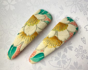 Japanese Silk Vintage Kimono Fabric - L Size - 2 Hair Snap Clips - White Flowers