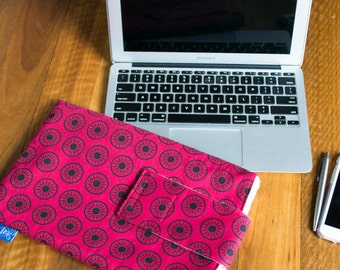SALE: Macbook Air cover 11 inch. Padded laptop sleeve bag. Macbook sleeve/Macbook cover/Macbook case.