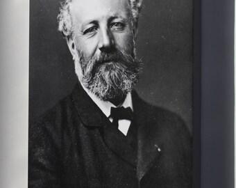 Canvas 24x36; Jules Verne