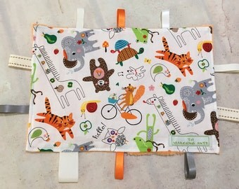 Taggie Toy / Comforter / Sensory Square / Crinkle Toy - 25cm x 17cm