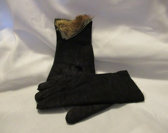 Vintage Saks Fifth Avenue suede and genuine fur lined women's gloves