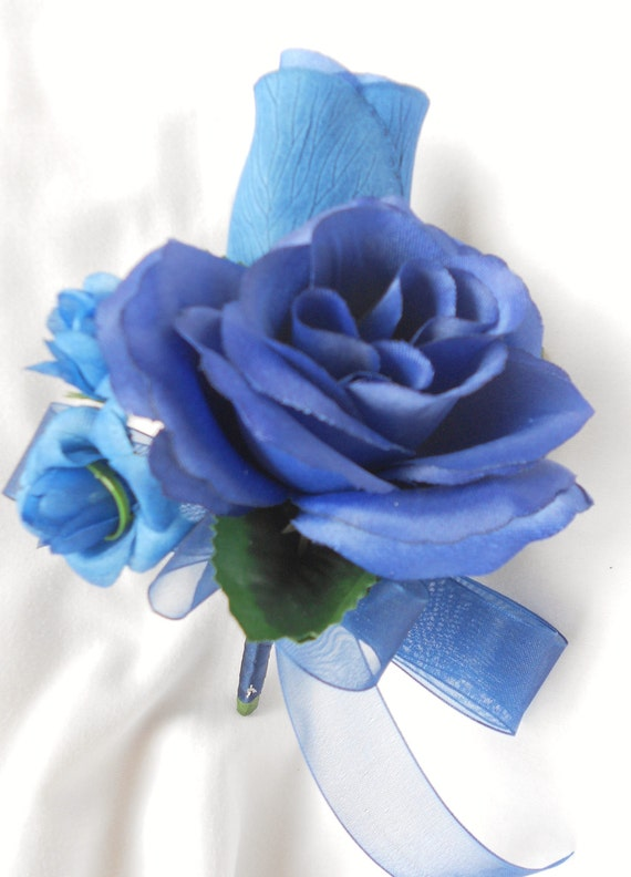 Corsages set of 6 roses  royal blue