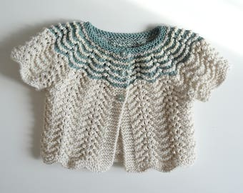 Bolero, vest short ecru and green water, knitted hand - size 3/4 years