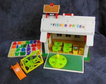 Vintage Fisher Price Little People Play Family School #923 and Accessories 1971