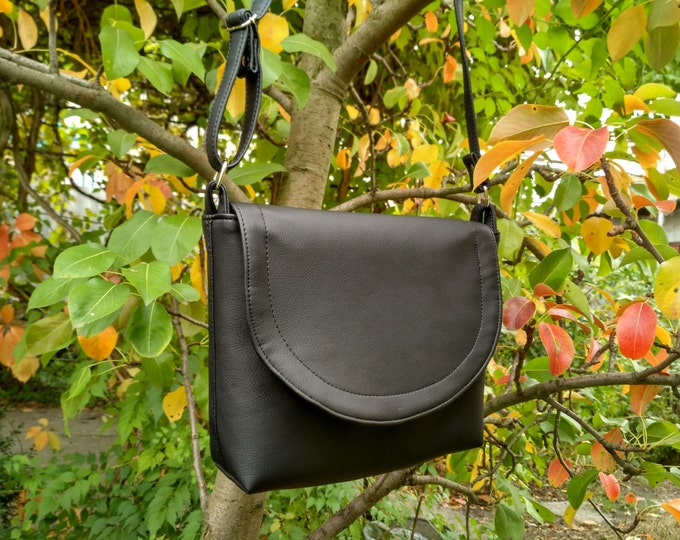 Shoulder bag, Vegan Leather bag, Crossbody bag, Black crossbody, Medium bag, Woman bags