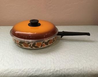 1970's Made In Spain JMP Capri Enamelware Floral Design Pan ~ Floral Design JMP Made In Spain Skillet ~ Retro Kitchen Decor ~