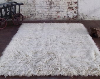"""5' x 7' white flokati shag rug. Long 3.25""""+ pile. 100% wool no synthetics! 3000 Gram weight! Soft and fluffy."""