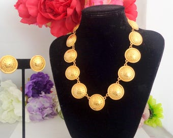 """Vintage Etruscan Goldtone 17 inch Necklace and Matching Round Clip On 1"""" Earrings. The Necklace has an extension and is Bright and Shiny."""