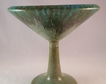 California USA Pottery - 521 - Green Urn