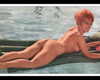 "Mature Playboy August 1963 : Playmate Centerfold Phyllis Sherwood Gatefold 3 Page Spread Photo Wall Art Decor 11"" x 23"""