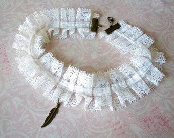 Lace choker White choker Feather choker Thin choker Boho choker Bohemian Choker Edwardian choker Ruff choker Lace collar Wedding choker Gift