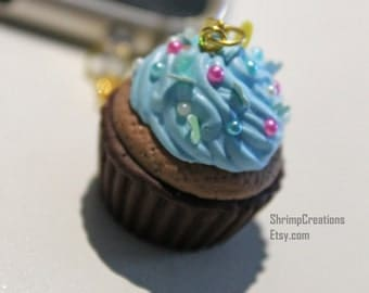 Pastel Blue Cupcake - Phone Charm. Cupcake phone charm. Necklace. Kawaii. Sweets. Accessories. Cute. Beautiful. Muffin. Dust plug. Sprinkles