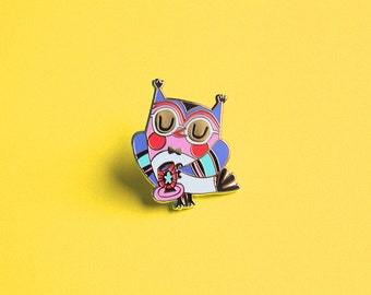 Pin owl with teacup - hard enamel pin - brooch