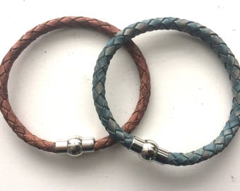 Leather Bracelet with magnetic catch
