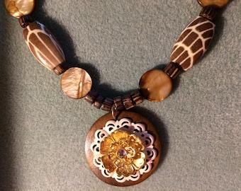 Peaceful safari necklace set