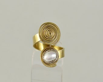Gold spiral ring, pearl band, by pass ring, coil jewelry, artisan ring, middle finger ring, wrap around ring, anniversary gift, women gift