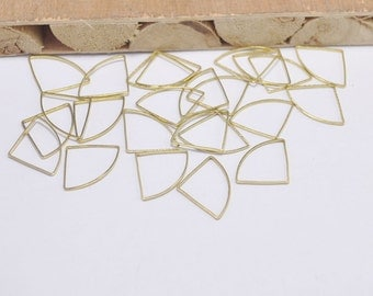 50pcs Raw Brass Charms Findings 20x15 mm,Triangle Charms Connector,Brass Triangle Pendant