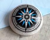 Travel Stone // kompas steen // cadeau reiziger // afscheidscadeau // bescherming op reis // talisman // beschilderde steen // navigatie