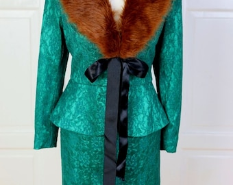 Pin Up Vintage Fur jacket and skirt with peplum suit green lace