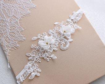Wedding Garter, Flower Garter, Bridal Garter , Lace Garter, Off white Bridal Garter with flowers