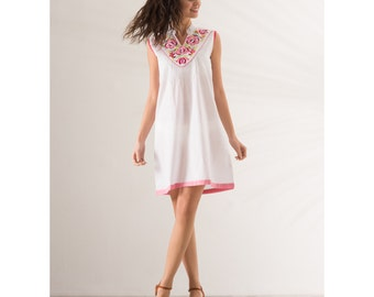 Sleeveless Tunic white