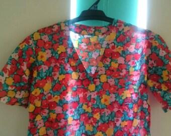 VINTAGE 1980s bright floral top