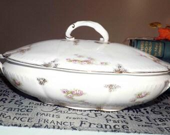 Quite vintage (c.1920s) F. Winkle & Co. | Winkle Wood Eatonia pattern handled, covered vegetable bowl | tureen.  Pink roses, gold edge.