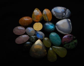 Mix cabochons lot. 18 pieces. Sizes from 16 to 45mm.