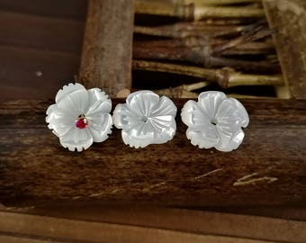 10pcs 10mm White Mother of Pearl Flower Beads White Shell Carved Flower Beads Cetre Drilled MOP Flowers 5-petal Flowers