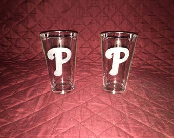 Philadelphia Phillies Hand Ethed Pint Glasses!