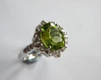 lovely Silver 925 ring ~ green sparkling stones ~ inA2418