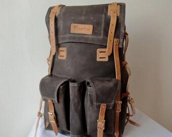 """Bushcraft waxed canvas multiuse bag """"Gatherer"""" by GroundGear"""