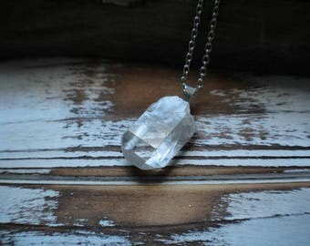 Goddess of Light Clear Quartz point necklace, Clear Quartz necklace, Clear Quartz points, Quartz necklace, Meditation necklace, raw quartz