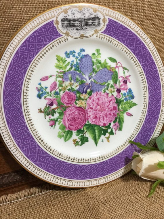 "RHS 1990 Chelsea Flower Show Fine Bone China Plate by ROYAL ALBERT - ""Victorian Bouquet"" 9"" Decorative Plate - Vintage Collectable Plate"