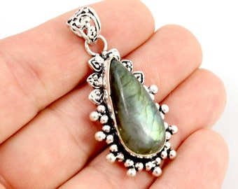 Labradorite and Sterling Silver Pendant. Green Labradorite Pendant. Sterling Pendant. Teardrip Pendant. Green Stone Pendant. 47mm x 21mm