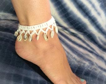 Boho anklet. cowrie shell anklet. hippie choker. crochet jewellery. Beach anklet. Ankle bracelet. Gift for her. Gypsy jewellery.