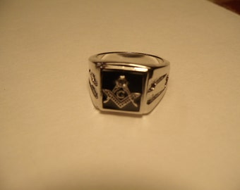 FREEMASON ~~~ 316 STAINLESS STEEL Rings ~~~ Quality! Comfort Fit Band! ~~~ Sizes 8 thru 14  ~~~Comes in Stainless Steel or *Anodized Gold